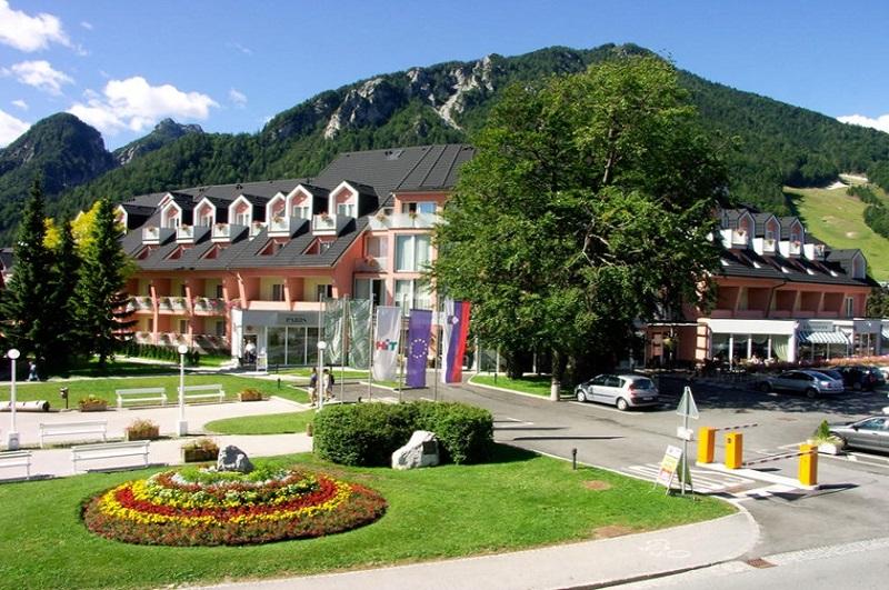 RAMADA Hotel & Suites Kranjska Gora (ex GH Prisank)